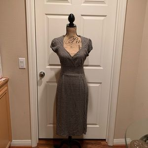 Banana Republic black/grey houndstooth print dress